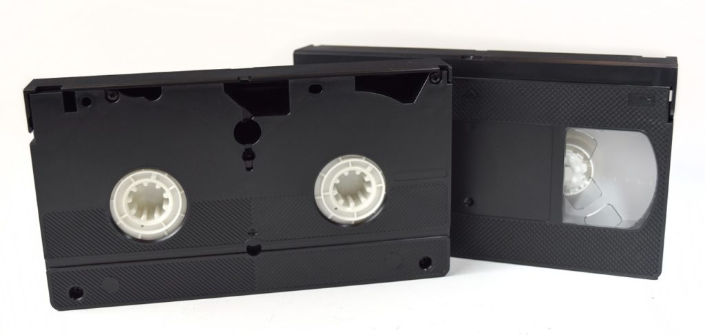 2 cassettes vhs face avant face arrière